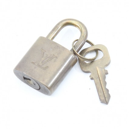 lv lock and key 302 (1 of 2)