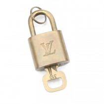 lv lock and key 310 (1 of 2)