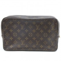lv trousse toilette 28 1012b (4 of 8)