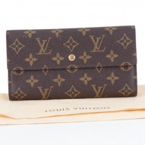 large_trifold_wallet_1_of_7_.jpg