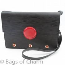 lv_black_epi_shoulder_bag_3_of_11_.jpg